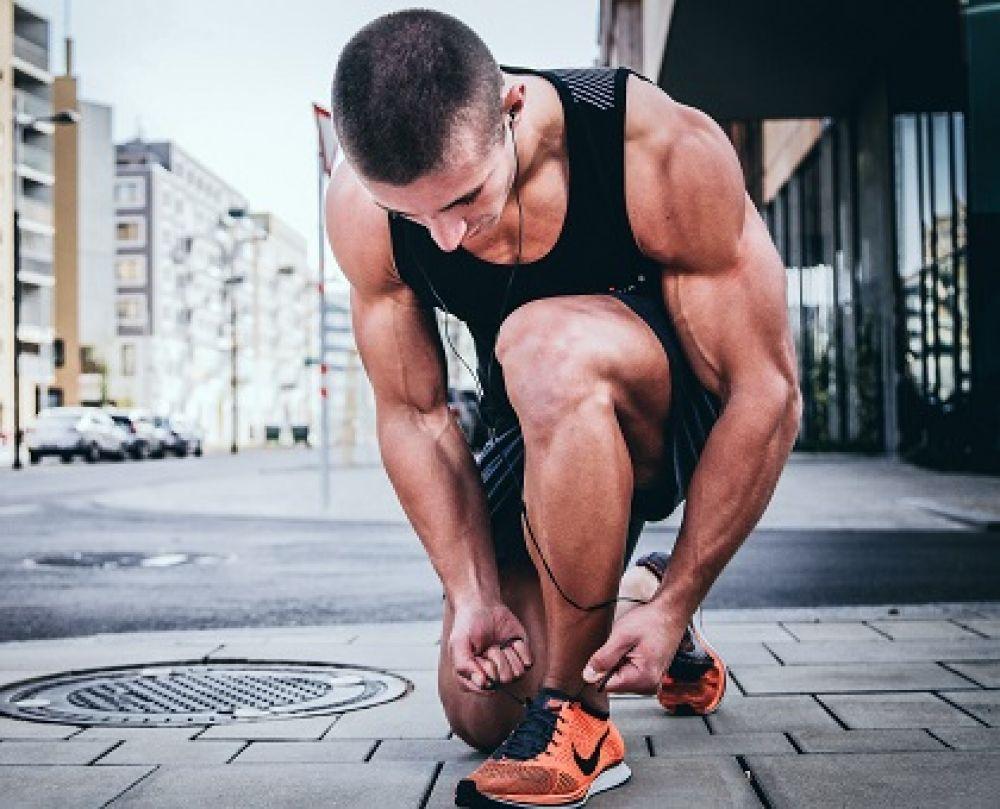 انواع کفش ها و کتونی های ورزشی