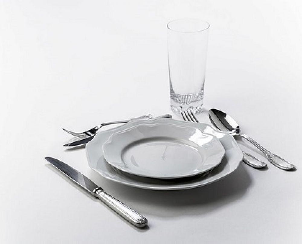 بشقاب و سایر ظروف
