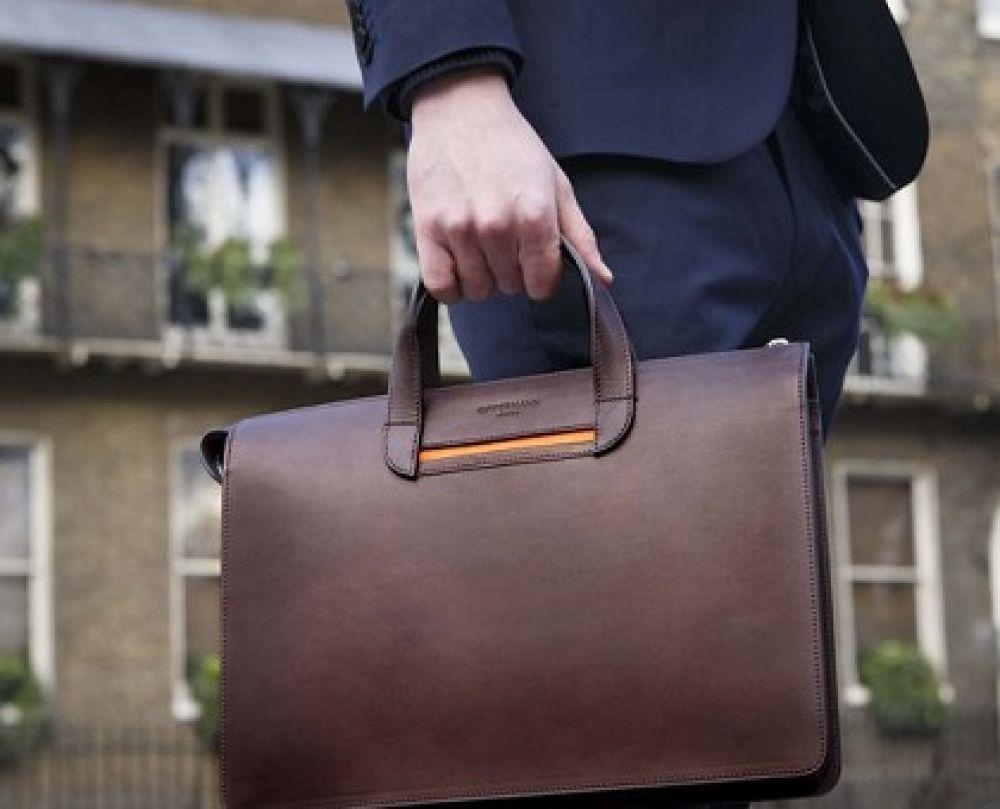 بررسی و خرید بهترین مارک و برند کیف های رسمی و اداری مردانه ( چرم طبیعی )
