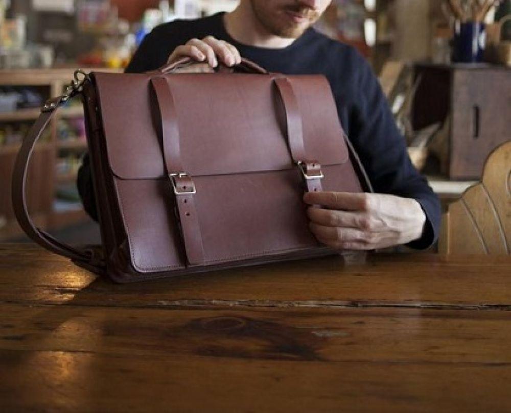 بررسی و خرید بهترین کیف های چرم مردانه