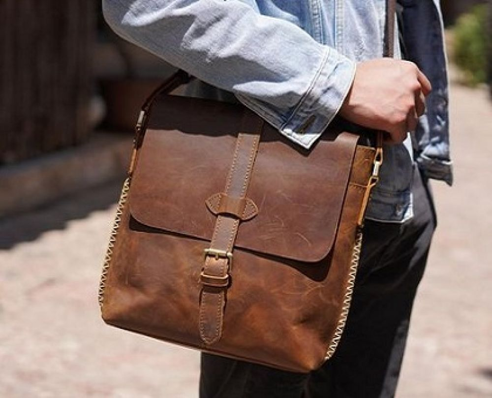 بررسی و خرید بهترین کیف دوشی مردانه از دیجی کالا با تخفیف
