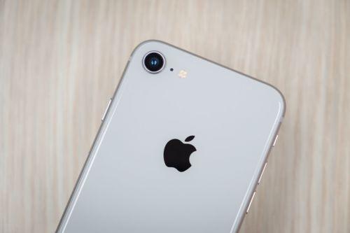 راهنمای خرید گوشی موبایل : نقد و بررسی آیفون 8 اپل
