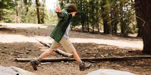 بررسی و خرید بهترین کفش مخصوص پیاده روی پسرانه از دیجی کالا با تخفیف